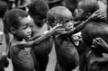 Kelaparan vs Kemewahan: Derita Dalam Kapitalisme