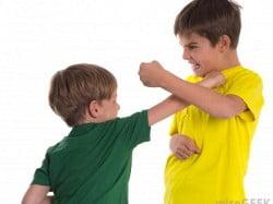 boys fight2