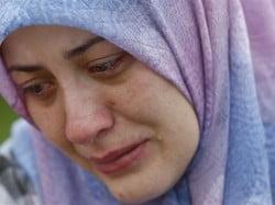 muslimah cries